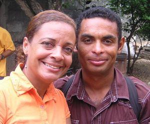 Yoandris Gutiérrez Vargas junto a su esposa en Bayamo foto de Hablemos Press
