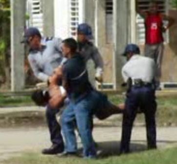 DONAIDA PEREZ - Arresto NOV. 22, 2011